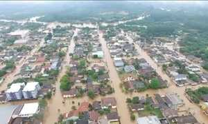 Enchentes no Rio Grande do Sul fazem 490 famílias saírem de casa