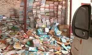 No Piauí, livros novos estão abandonados em depósito