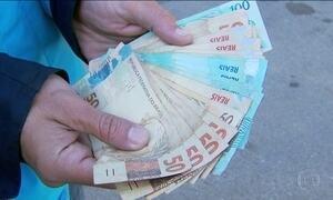 Quadrilhas de jovens de classe média vendem dinheiro falso pela internet