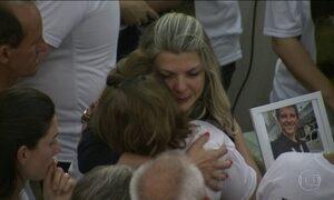 Familiares se despedem de profissionais da RBS em SC