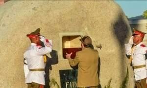Cinzas de Fidel são depositadas em cemitério em Santiago de Cuba