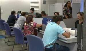Agências da Caixa abrem mais cedo para esclarecer dúvidas sobre FGTS