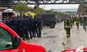 Homem é morto em aeroporto de Paris após atacar militar