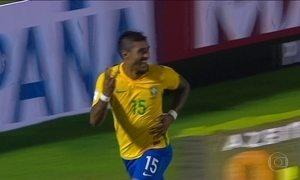 Brasil goleia Uruguai por 4 a 1 e está com pé na Copa de 2018 na Rússia
