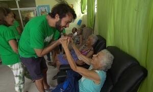 ONG Cantareiros leva alegria e bem estar a hospitais e asilos