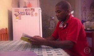 Leitor anônimo: pedreiro acha livro indicado pelo Tite, técnico da Seleção