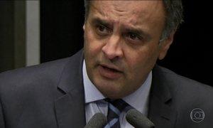 Senadores recorrem de arquivamento do pedido de cassação de Aécio
