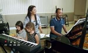 Hoje é dia de música clássica: aula de piano