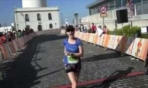 Mulher espera 30 anos por coração para realizar sonho de virar triatleta