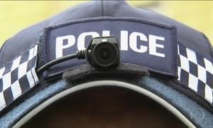 Polícia de Londres vai usar câmeras em capacetes e bonés