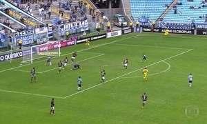 Grêmio empata com Atlético-PR e perde chance de encostar na liderança