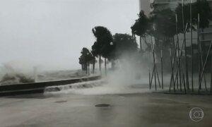 Furacão Irma chega à Flórida e deixa pelo menos três mortos