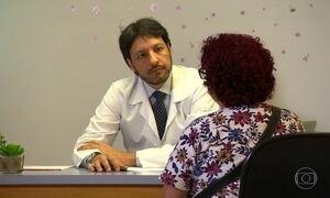 Médicos voluntários 'doam' consultas para pacientes que não podem pagar