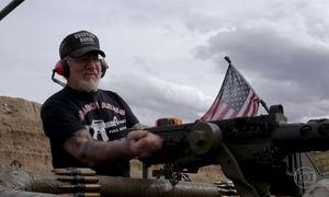 'Todo mundo ama armas', diz homem mais armado dos Estados Unidos
