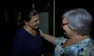 Verdadeira mãe de Bibi Perigosa conhece a atriz que viveu seu papel