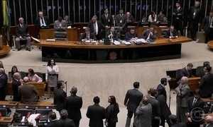 Há um ano, projeto anticorrupção era desfigurado na Câmara