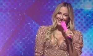 Claudia Leitte comemora 10 anos de carreira solo e canta no Fantástico