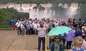 Cataratas do Iguaçu recebem turistas cadeirantes