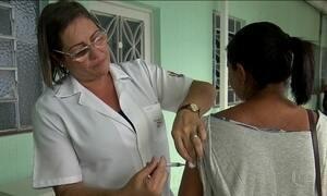 Moradores viajam para áreas de risco para tomar a vacina da febre amarela