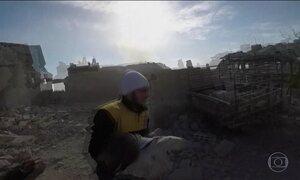Síria ignora apelos por cessar-fogo e volta a bombardear área de rebeldes