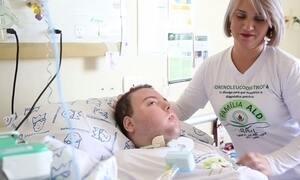 Mãe de menino com doença degenerativa cria grupo de ajuda