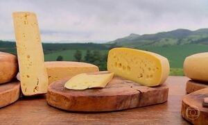 Com mais gado que habitantes, cidade vive do queijo há mais de cem anos