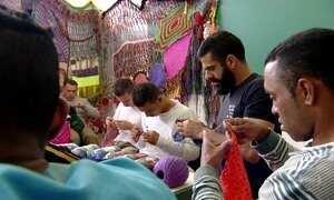 Penitenciária usa crochê como forma de ocupação para detentos em SP