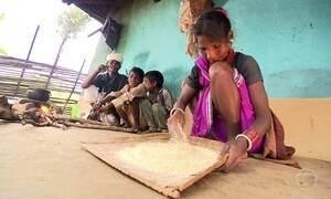 Apesar dos belos palácios, 70% da população da Índia vive na pobreza