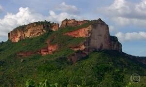 Com 180 metros de altura, Morro da Catedral é atração do Jalapão