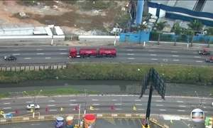 Veja no JN: Em SP, caminhão com gasolina deixa distribuidora escoltado pela PM