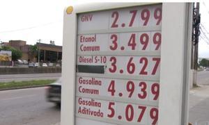 Motoristas procuram diesel com desconto prometido pelo governo