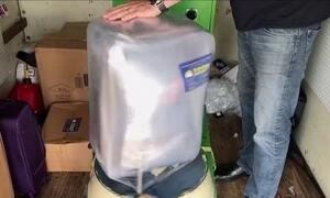 Brasileiro abre empresa de embalagem de malas nos EUA