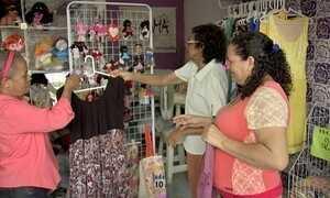 Espaços coletivos impulsionam comércio de artesãos em Fortaleza