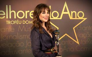 Ver imagens da atriz paola oliveira bem peladinha mostrando a buceta