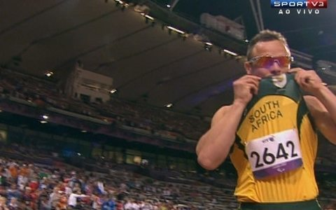 Oscar Pistorius sobra e leva o ouro nos 400m; Alan  4