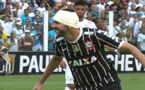 Gol do Corinthians! Danilo pega sobra e empata
