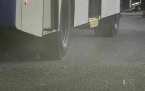 Terminal de ônibus tem problemas (Problemas em piso prejudicam usuários de terminal de ônibus na capital (editar título))