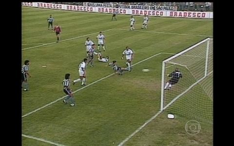 Túlio Maravilha fala sobre seu gol impedido em título de 1995