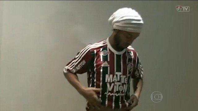 Fluminense vive expectativa para receber Ronaldinho Gaúcho no elenco