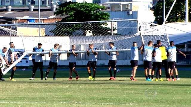 Botafogo se prepara para enfrentar América-MG, adversário direto na briga pelo acesso