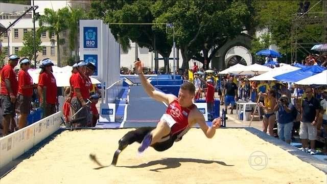 Super Salto: Markus Rehm, da Alemanha, vence o salto em distância masculino