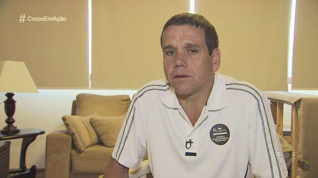Árbitro de polo aquático se prepara para a Olimpíada do Rio