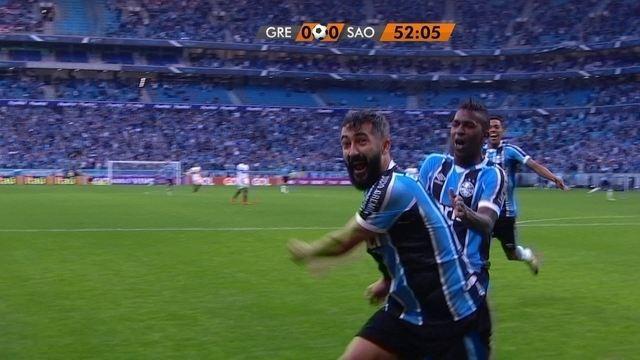BLOG: Douglas was there! Assista ao gol da vitória do Grêmio narrado em inglês