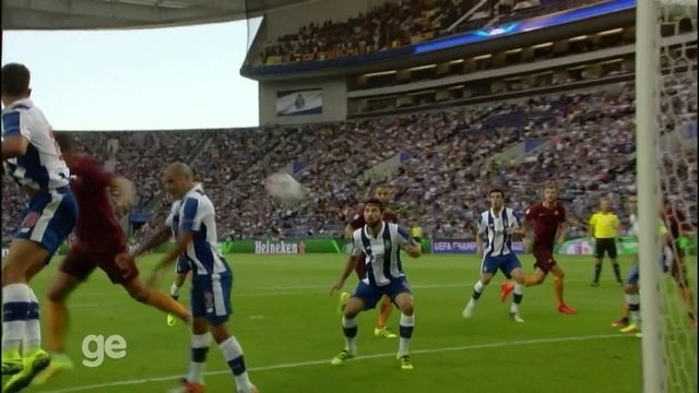 Os gols de Porto 1 x 1 Roma pelos playoffs da Liga dos Campeões da Uefa