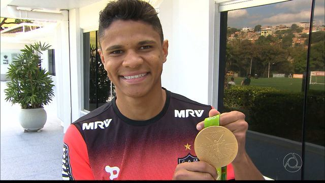 Douglas Santos dedica ouro ao torcedor paraibano