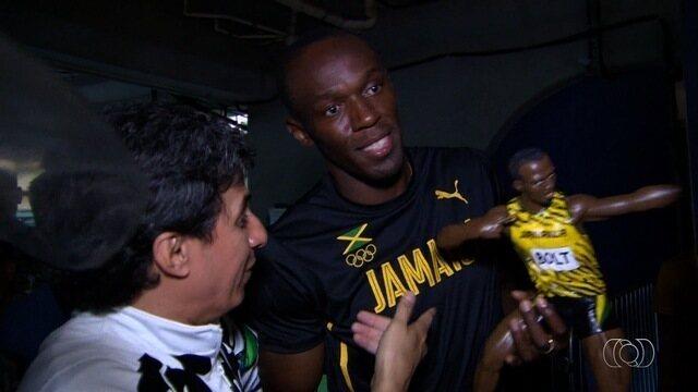 Goiano chama atenção depois de presentar Bolt na Olimpíada