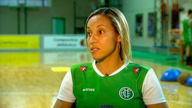 Adrianinha se despede da vida de atleta de basquete aopos disputar Olimpíadas do Rio