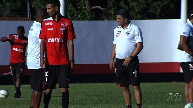 Atlético-GO repete time mais ofensivo contra o Ceará