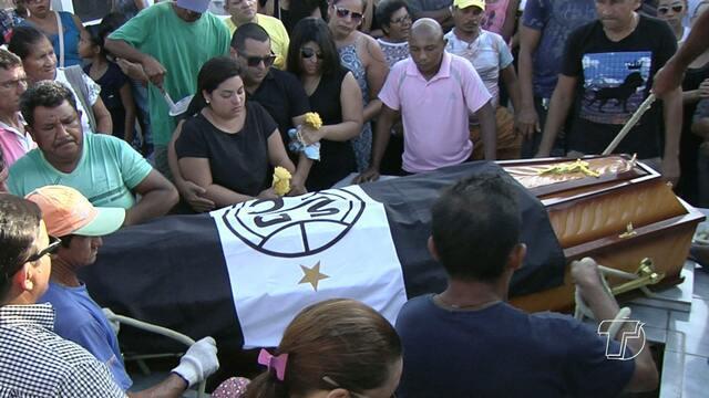 Santarenos acompanham cortejo de Lucio Santarém pelas ruas da cidade