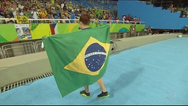 Marivana Oliveira conquista medalha de bronze para o Brasil no arremesso de peso F35